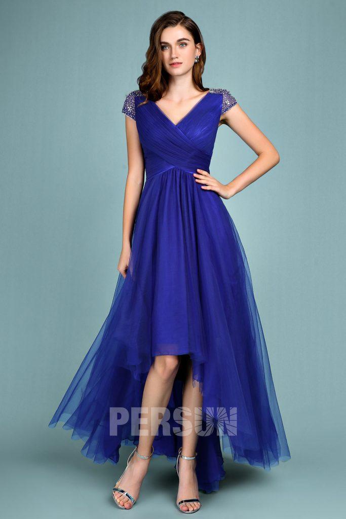 robe de soirée chic courte devant longue derrière bleu roi bustier cache coeur avec manches courte embelli de strass