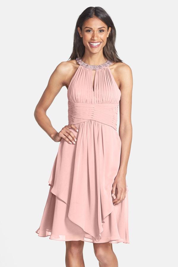 robe de cocktail courte rose carnation col halter bustier plissé jupe asymétrique