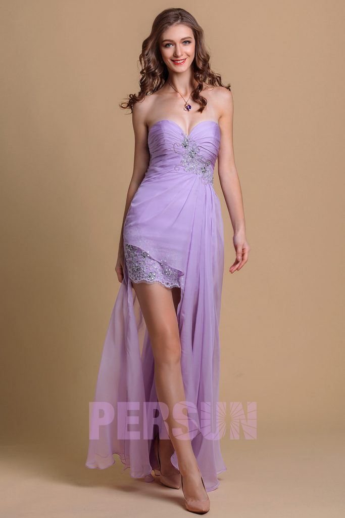 robe de cocktail courte devant longue derrière violette bustier coeur ornée de guipure