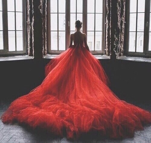robe cérémonie rouge princesse avec traîne