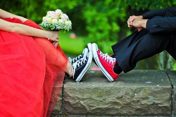 robe de mariée rouge avec basket