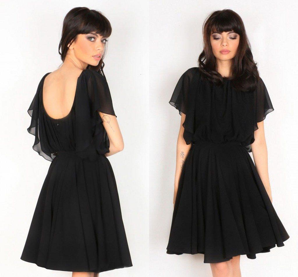 petite robe noire simple dos nu avec manche courte évasée
