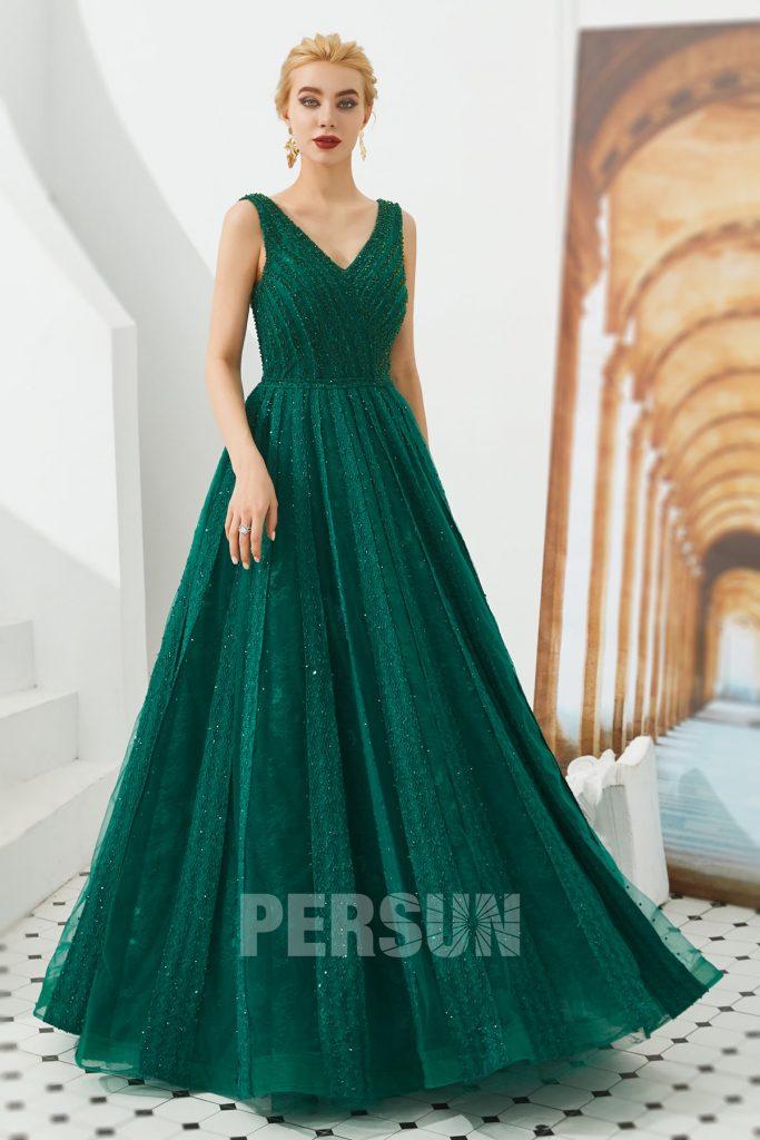 robe de soirée vert sapin col v en dentelle embelli de strass