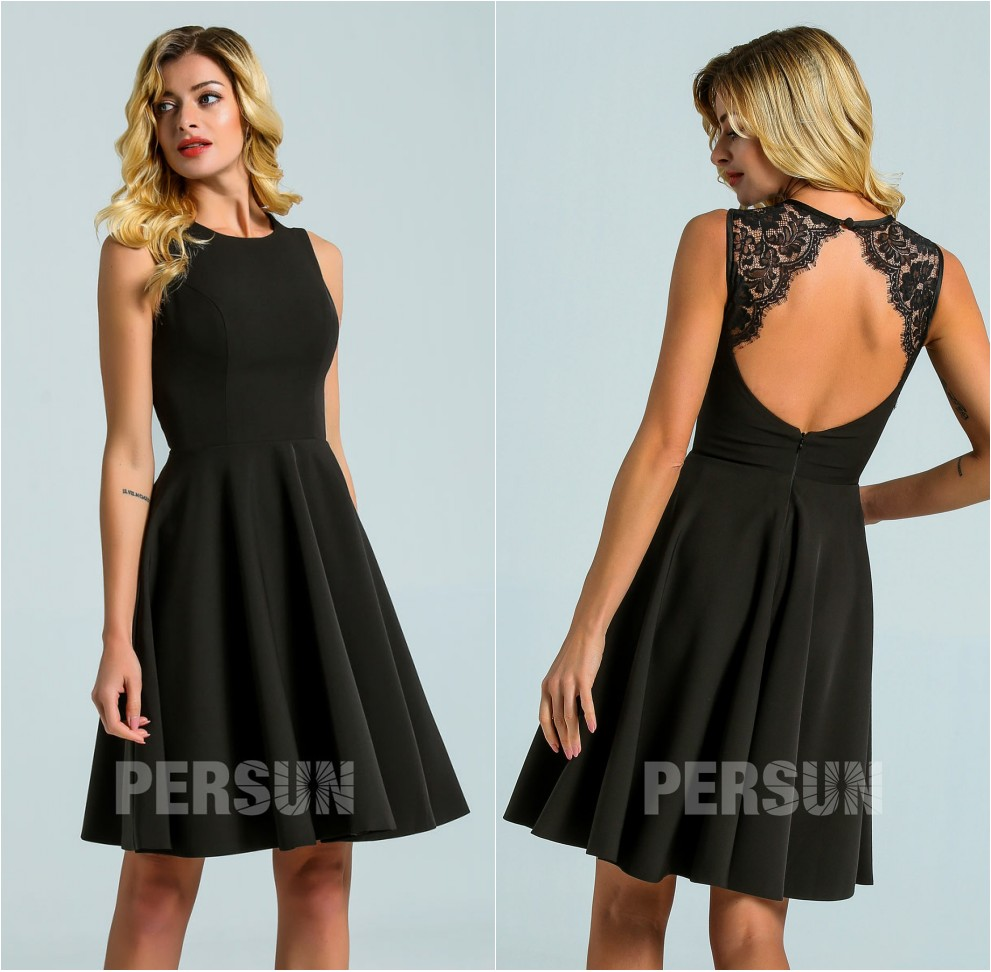petite robe noire simple dos ouvert embelli de dentelle exquise