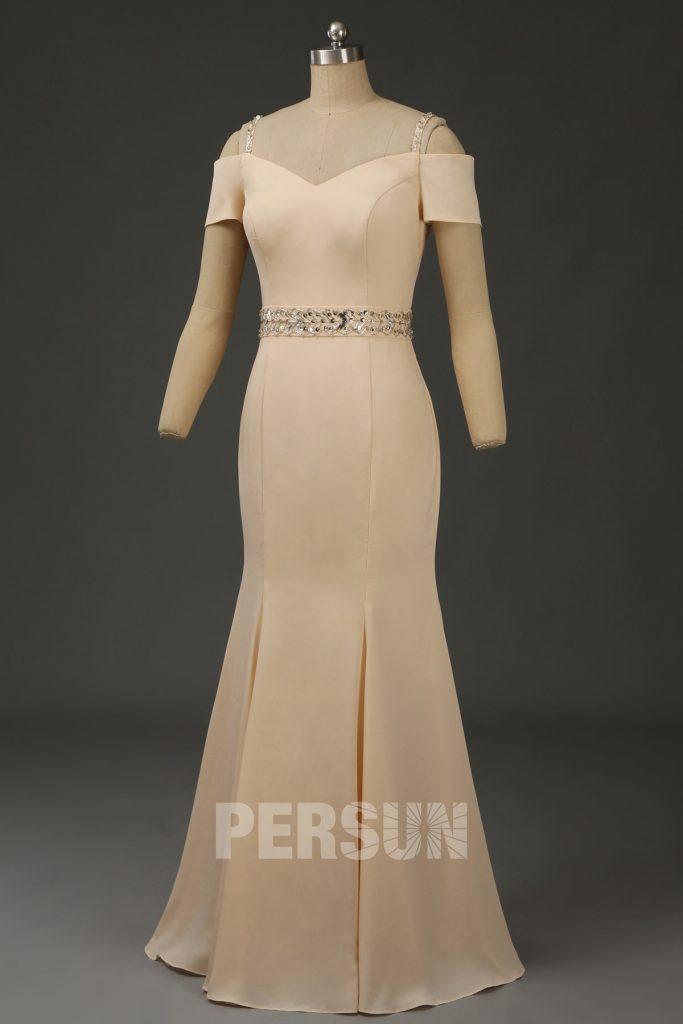 robe de soirée longue champagne épaule dégagée embelli de strass