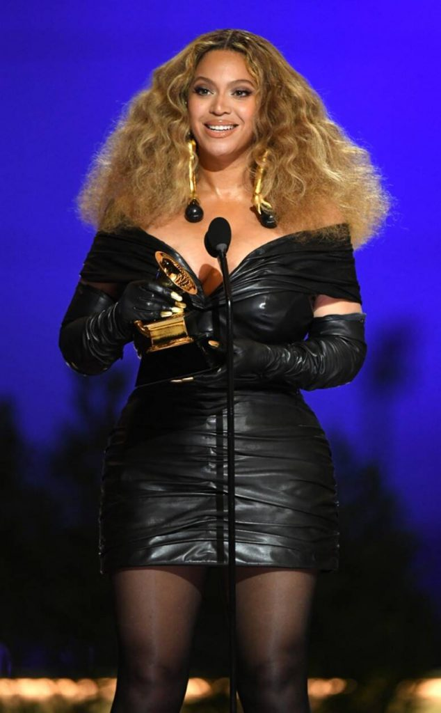 Beyoncé aux Grammys Awards 2021